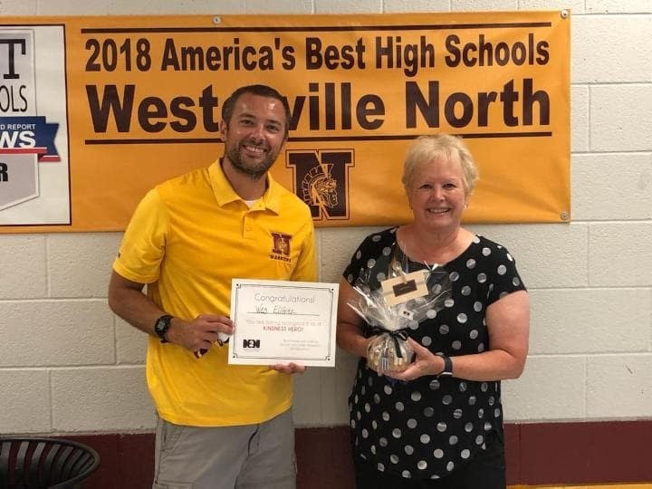Wes Elifritz is recognized as a Neighbor2Neighbor Kindness Hero with Westerville Mayor Kathy Cocuzzi.