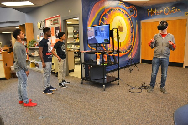 South students enjoy the new Virtual Reality Lab.