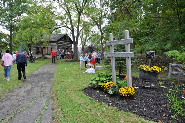 The Ned Mosher Apple Butter Festival took place at the Knox-Metzger cabin at McVay.